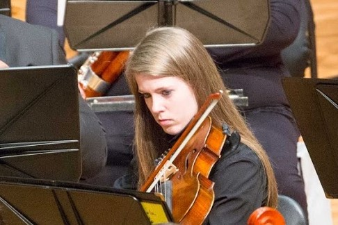 Meet violist, Soleil Robichaud who is currently serving as our Treasurer. She is an international marketing expert who sets the UPS rates you probably use. A graduate of UGA Terry College of Business, she played viola at UGA in the University Philharmonia Orchestra. #musician pic.twitter.com/n5fBFSOEQd