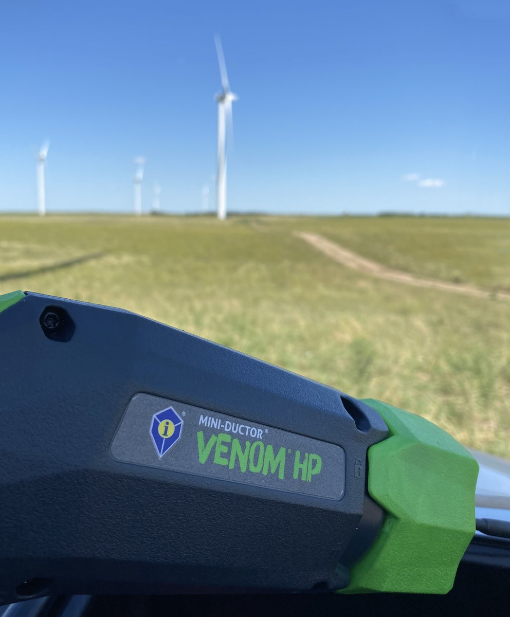 #InductionHeat meets wind power! Shoutout to Titan Wind Farm, who recently used our Mini-Ductor Venom HP to successfully extract broken bolts inside the tower tube!   #windturbine #cleanenergy #greenenergy #miniductor #inductioninnovations #inductionheater #windpower #windfarmpic.twitter.com/S3bLFYLFhc