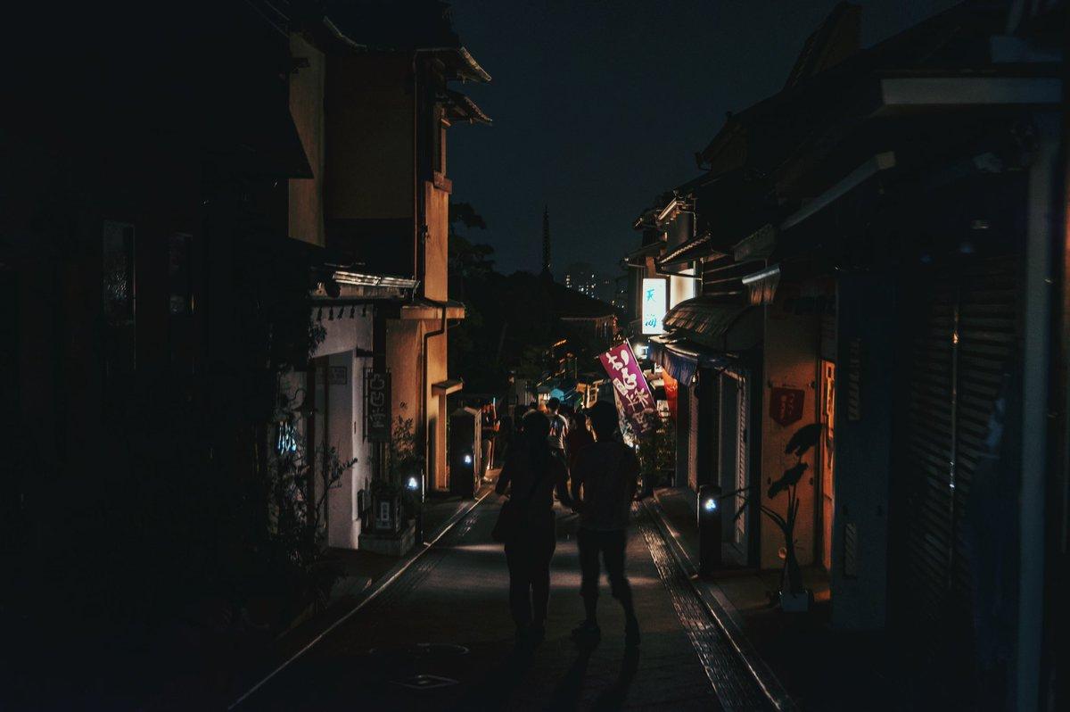 江ノ島の帰り道。 近場でモノレールも乗れての江ノ島に灯籠観に行った土曜日。 #江ノ島 #灯籠 #pentax #湘南  #photo #photography #写真 #写真撮っている人と繋がりたい #写真好きな人と繋がりたい #ファインダー越しの私の世界 #東京カメラ部 #tokyocameraclub pic.twitter.com/haIBvJd9pi