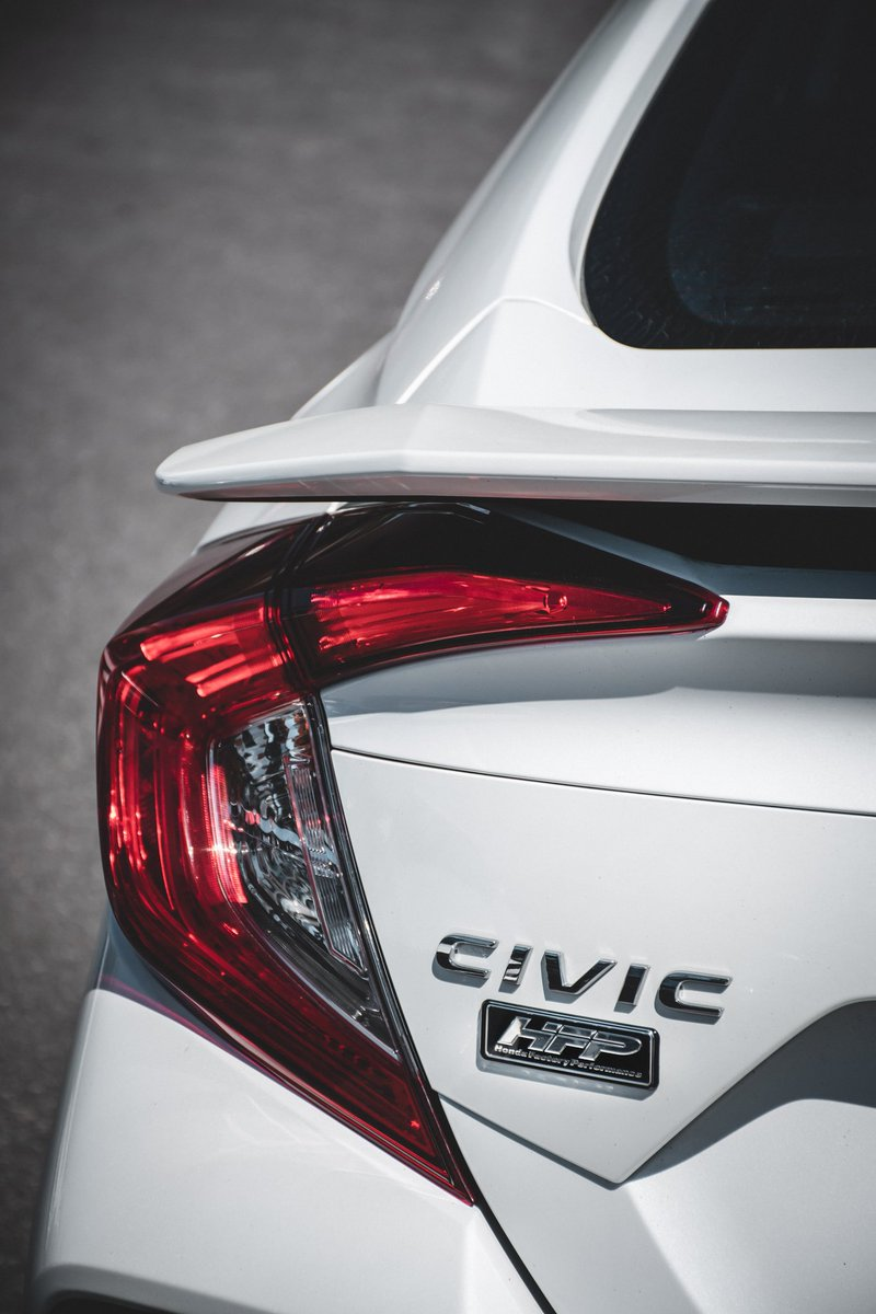 Isn't the Honda Civic Si HFP a thing of beauty? 🤍  Always a honour to photograph gorgeous vehicles, and it was a pleasure capturing this product shot for a local Honda dealer.   @HondaCanada | @Honda | #PoweredByHonda https://t.co/uV0TbPSxOg