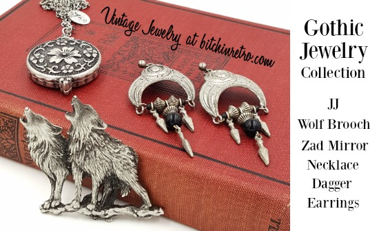 #Goth #jewelry collection with a #medieval mysterious vibe. A Zad #necklace conceals a mirror compact alongside a #JJ #vintage #wolves brooch and earrings with dangling #daggers. We especially like the wolves #fangs and textured fur coats.  #gothic #wolf   https://bitchinretro.com/products/gothic-jewelry-set-with-jj-wolves-pewter-brooch-zad-mirror-necklace-earrings… pic.twitter.com/ocPUNtFMli