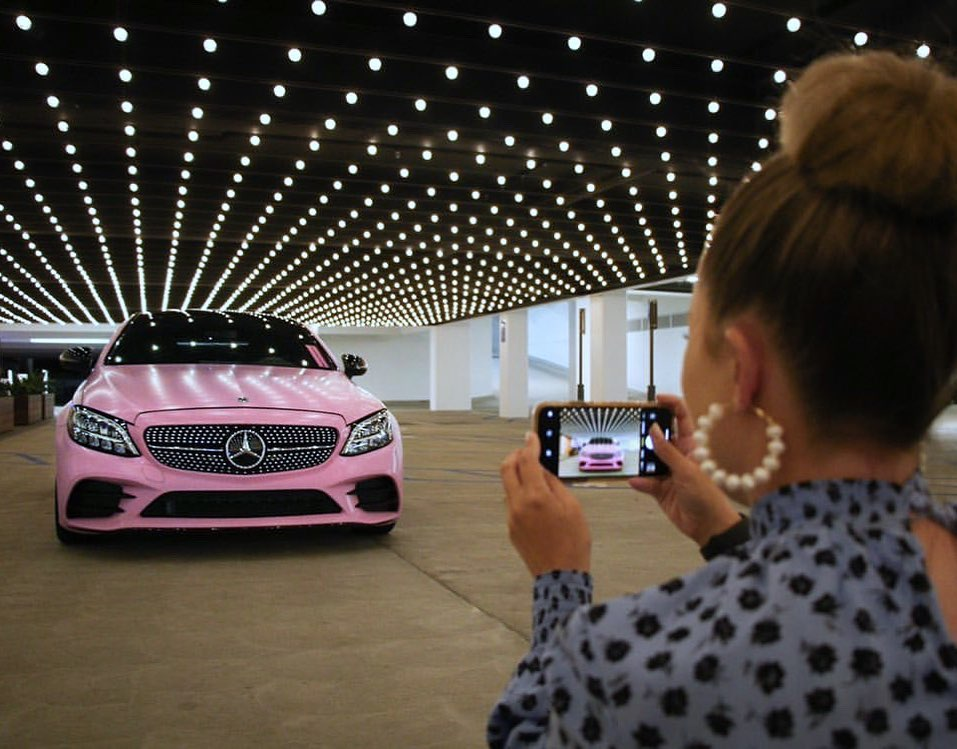 """You're doing amazing, sweetie."" #CClass #W205 https://t.co/tJSSE8TAR0"