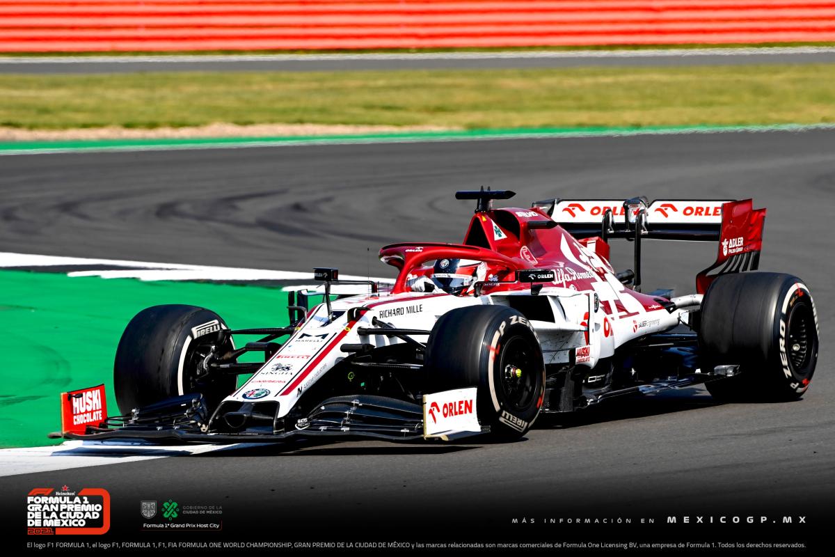 El día de ayer, Kimi Räikkönen rompió el récord de la mayor cantidad de vueltas corridas en la historia de #F1, con 16,845. 😮 #F170 https://t.co/w41nmqx0h4