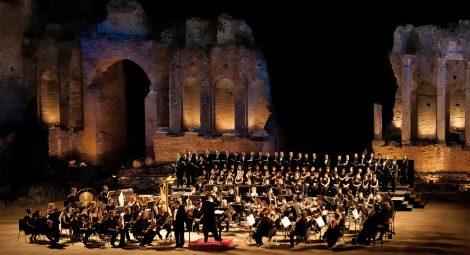 Festival Teatri di Pietra, il Gran Gala lirico con aria d'opera protagonista a Zafferana Etnea - https://t.co/IOaVz8ISKs #blogsicilianotizie