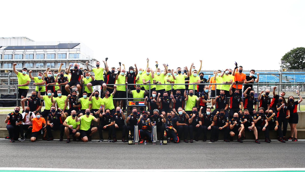First win of 2020 ✅ Winning Team photo ✅ View our behind the scenes shots from #F170 📸👉 https://t.co/7srGJiAbhr https://t.co/lpBl4P0Cqr