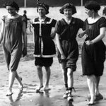 Image for the Tweet beginning: Seaside fashion 1913. #socialhistory #heatwaveuk