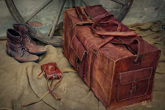 Large Leather Duffel  Bag  https://highonleather.com/collections/brown-leather-duffle/products/leather-duffle-bag-for-men…   #traveldaily #worldtravel #travelingram #traveler #travelblog #travelgoalspic.twitter.com/hwkByrOWpb