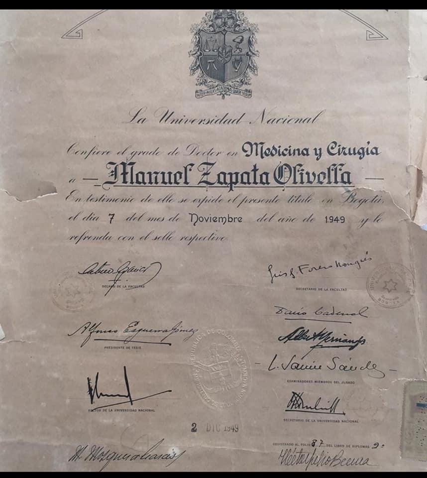 #Galería  Manuel Zapata Olivella, además de ser escritor, también se destacó como médico y antropólogo.  Este es el diploma que le confirió la @UNALOficial en 1949.  Conoce el legado de MZO y descárgalo GRATIS a través de:  https://t.co/91bRK7DYbD  #AñoManuelZapataOlivella2020 https://t.co/Y1oltBRhWS