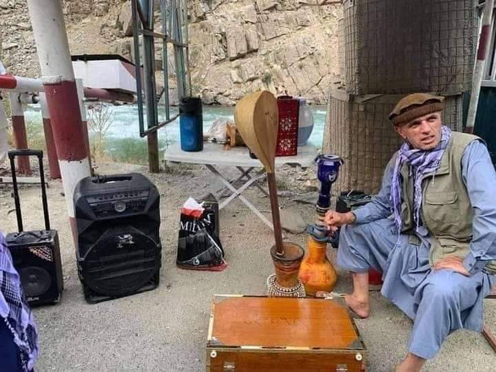 A man in #Panjsher is seen smashing music instruments. Not sure if that is a welcome gesture for #Taliban.pic.twitter.com/pkiIrpUtnp