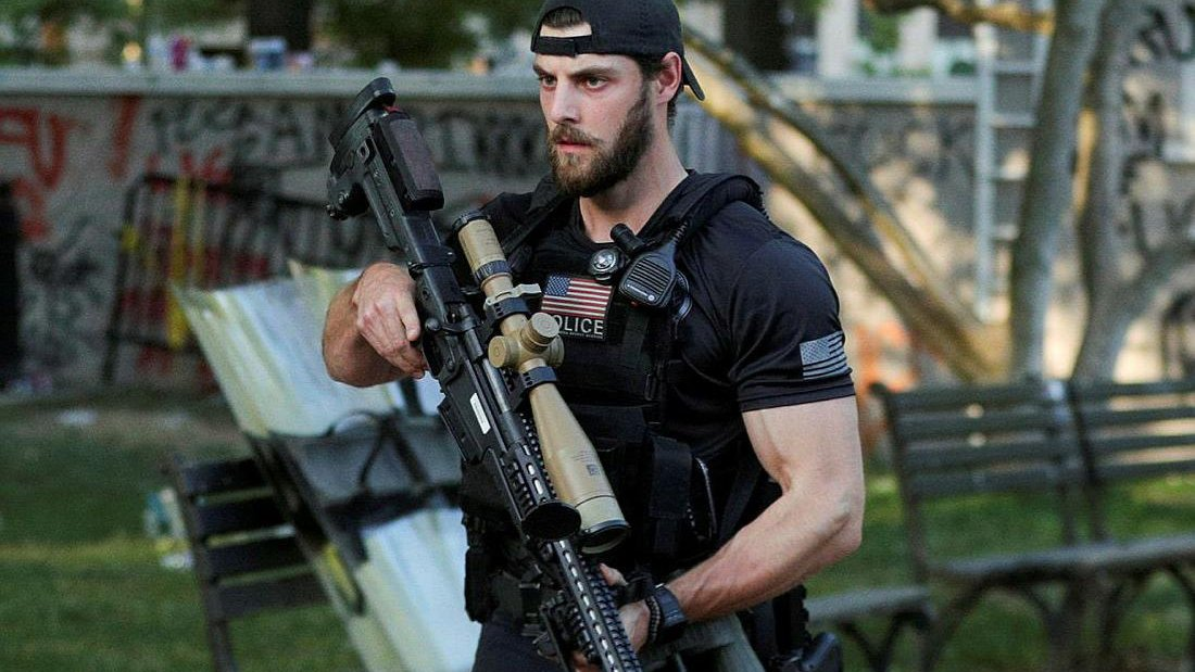 Friendly survival tip: Dont rush the White House while armed.