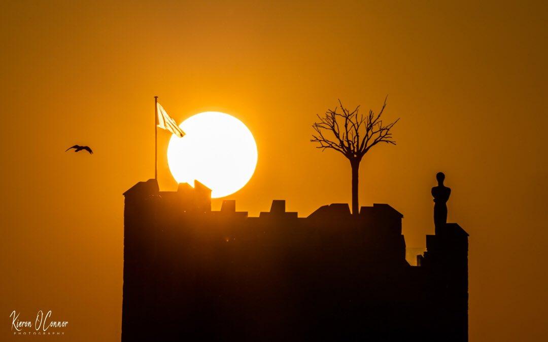 Belvelly Castle ☘️ Ireland #Castle #Ireland #StormHour #ThePhotoHour #sunset @DiscoverIreland @ancienteastIRL @NatGeoPhotos @RTENationwide @cork_daily https://t.co/plBRNoZJEJ