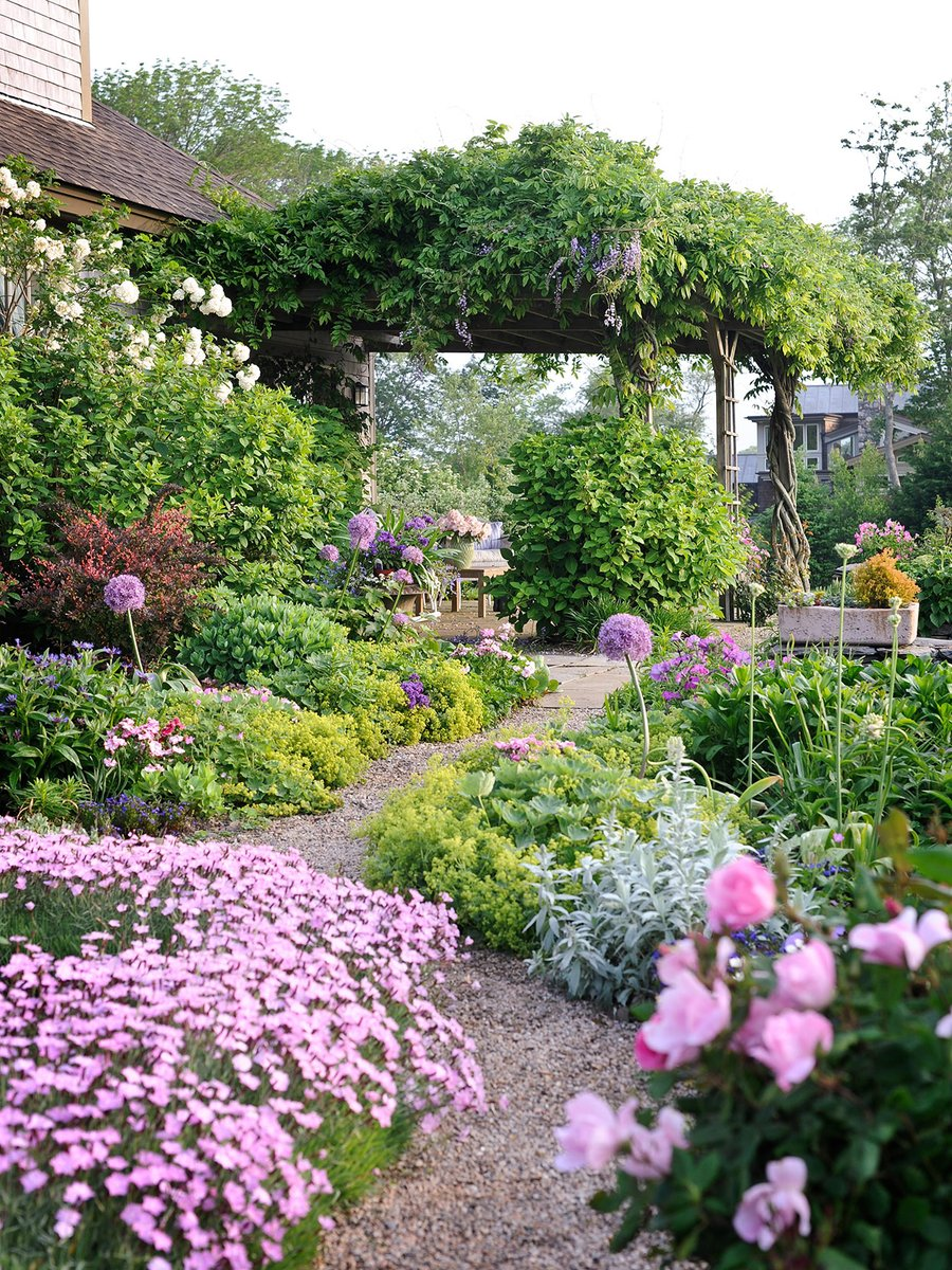 Adding perennials to your #landscaping is a doable task. Here's help. #gardeningtips  http://cpix.me/a/102694146pic.twitter.com/z4ctLqc4wP