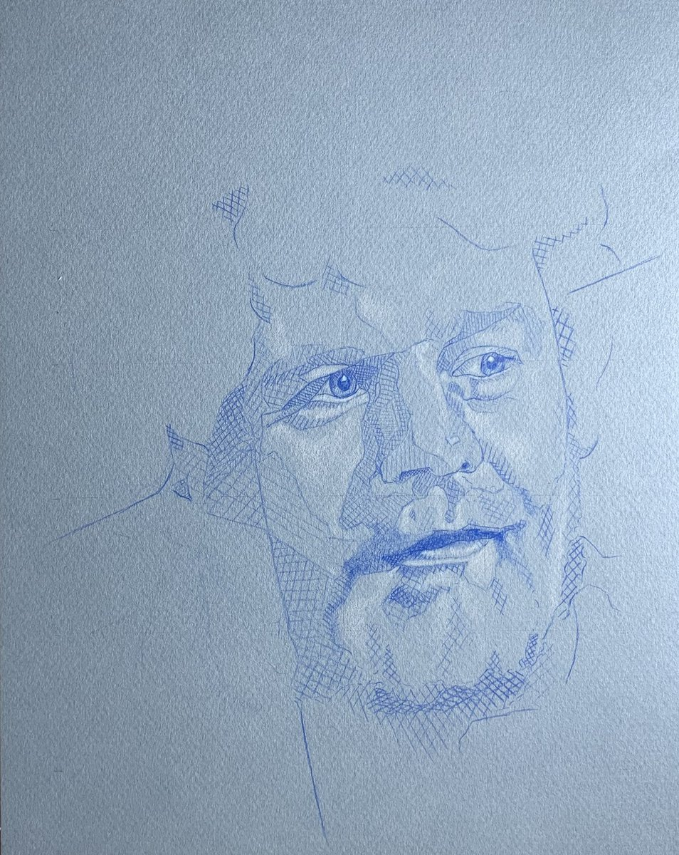 Another portrait from earlier in the year, a bit of blue on blue action for my friend Rob. #portraitdrawing #pencilportrait #portraitartist #portraiture #robshearman #contemporaryportrait #sketchpic.twitter.com/EID8aT9kyN