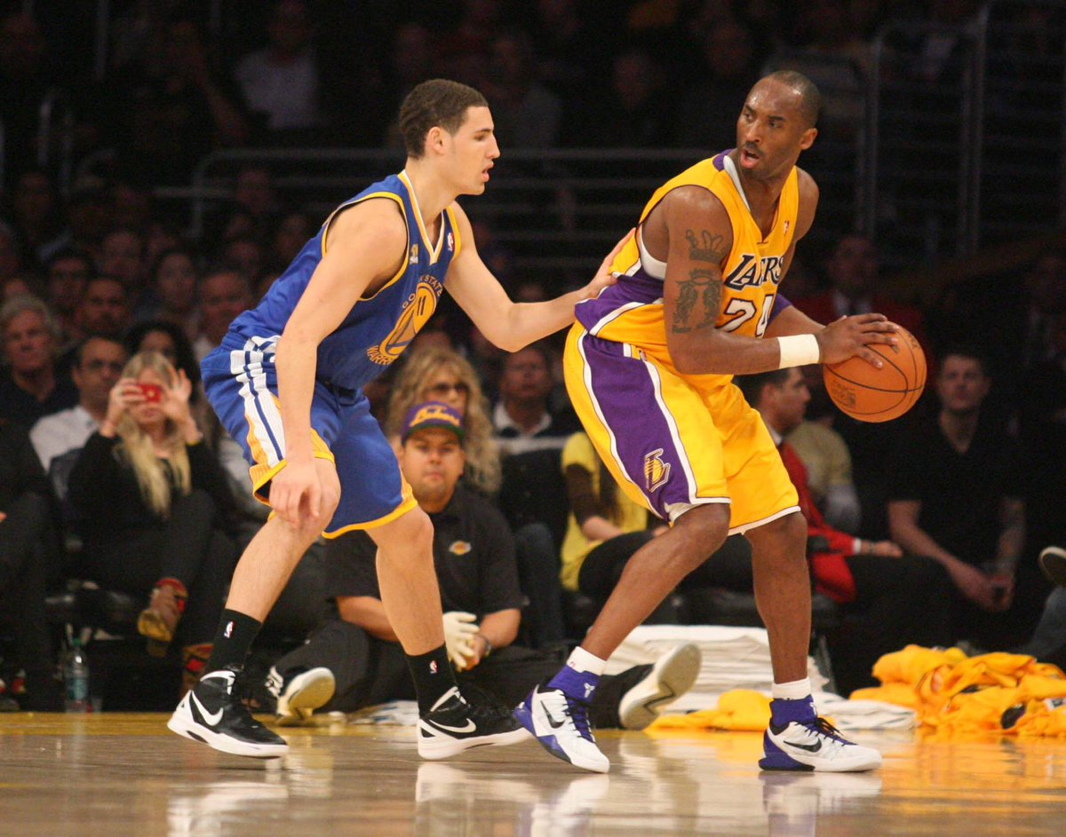 Klays FIRST game against his idol...I was soooo nervus for him befor this game bcuz yall remember how Kobe use to treat rookies...and VETS too for that matter https://t.co/c7qcINJcWy