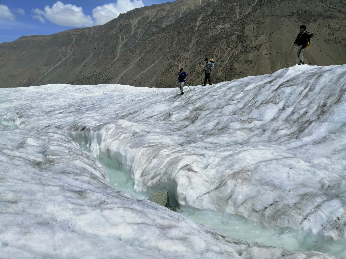 One of the most fascinating and adventurous trek is Rush Lake trek while crossing #Miyar #Glacier at #Hoper #Nagar. #PakistanOpensTourism https://t.co/mLQ6Sd874a