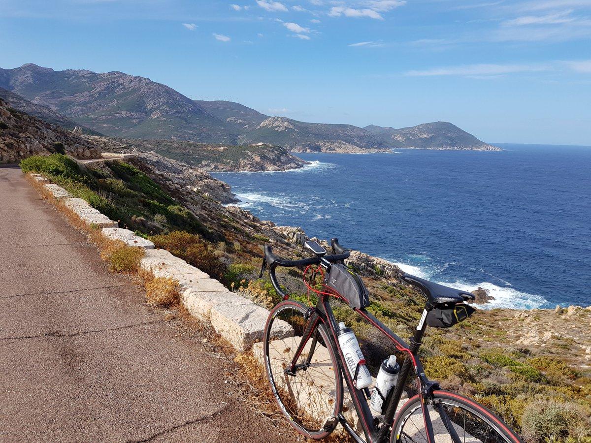 Sinon la ballade en #vélo de #Calvi à #Galeria par la côte, avec retour par le Bocca Di Marsolinu vaut aussi le détour. Route défoncée mais superbe. Dans le top 10... https://t.co/KuHIq74ryn