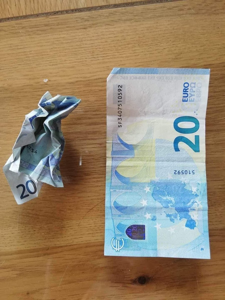Here I have 2 €20 notes. The one on the left has been through a shit time, been abused and just a complete mess. The one on the right is straight & crisp, not touched. Answer me this... is the one on the left worth less than the one on the right? #think #focus #MondayMotivation pic.twitter.com/MtABxTU4cP