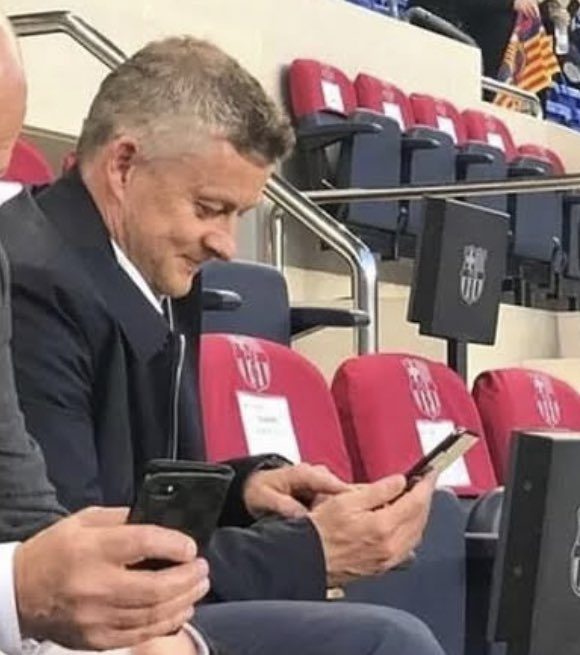 """""""Could do with a penalty anytime soon please lads, cheers"""" *Message sent to VAR HQ*"""