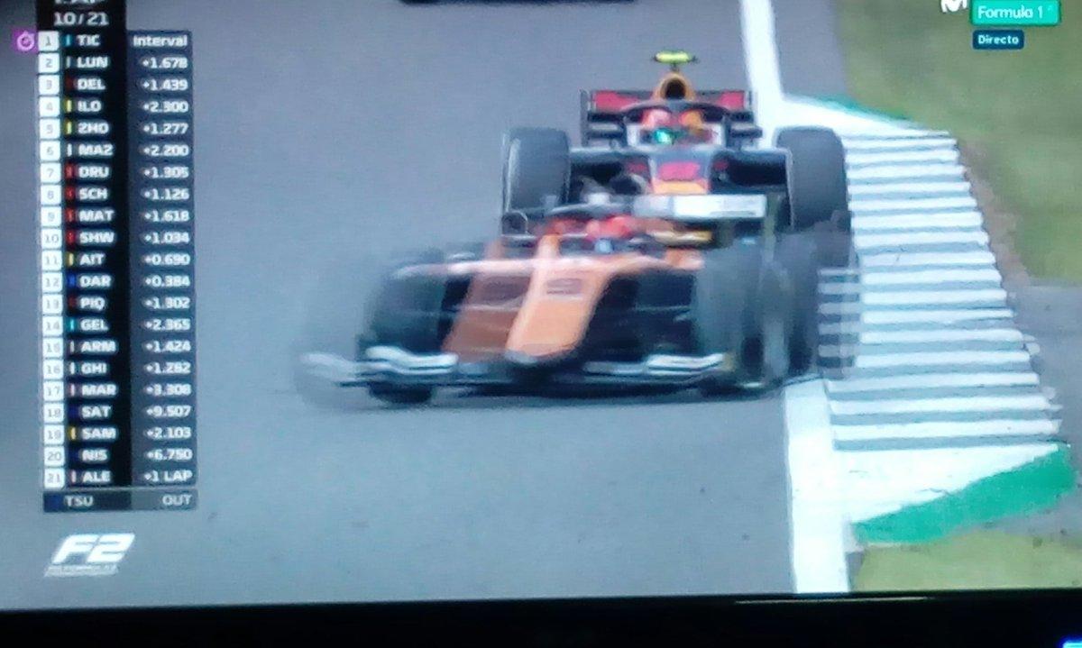 Poniéndome al día con la #F2. Voy con 3 carreras de retraso😉 #BritishGP #F170 https://t.co/JNKIB7iRHm