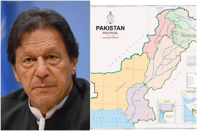 Shocker! Imran Khan Unveils New Map That Shows Kashmir as Part of Pakistan, Trolled on Twitter  #imrankhan #pakistan #pti #lahore #karachi #pakistani #islamabad #pakistanzindabad #pakarmy #pmik #imrankhanworld #india #nawazsharif #pmln #instagram #imrankhanpti #mahirakhan pic.twitter.com/uNZKm6huGE
