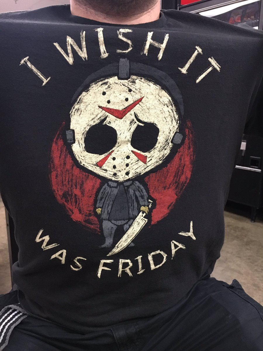 Some guy was giving me shit for wearing this shirt saying it was inappropriate. I guess he was a Freddy Krueger fan. #Jason #JasonVoorhees pic.twitter.com/09TlFUb41v