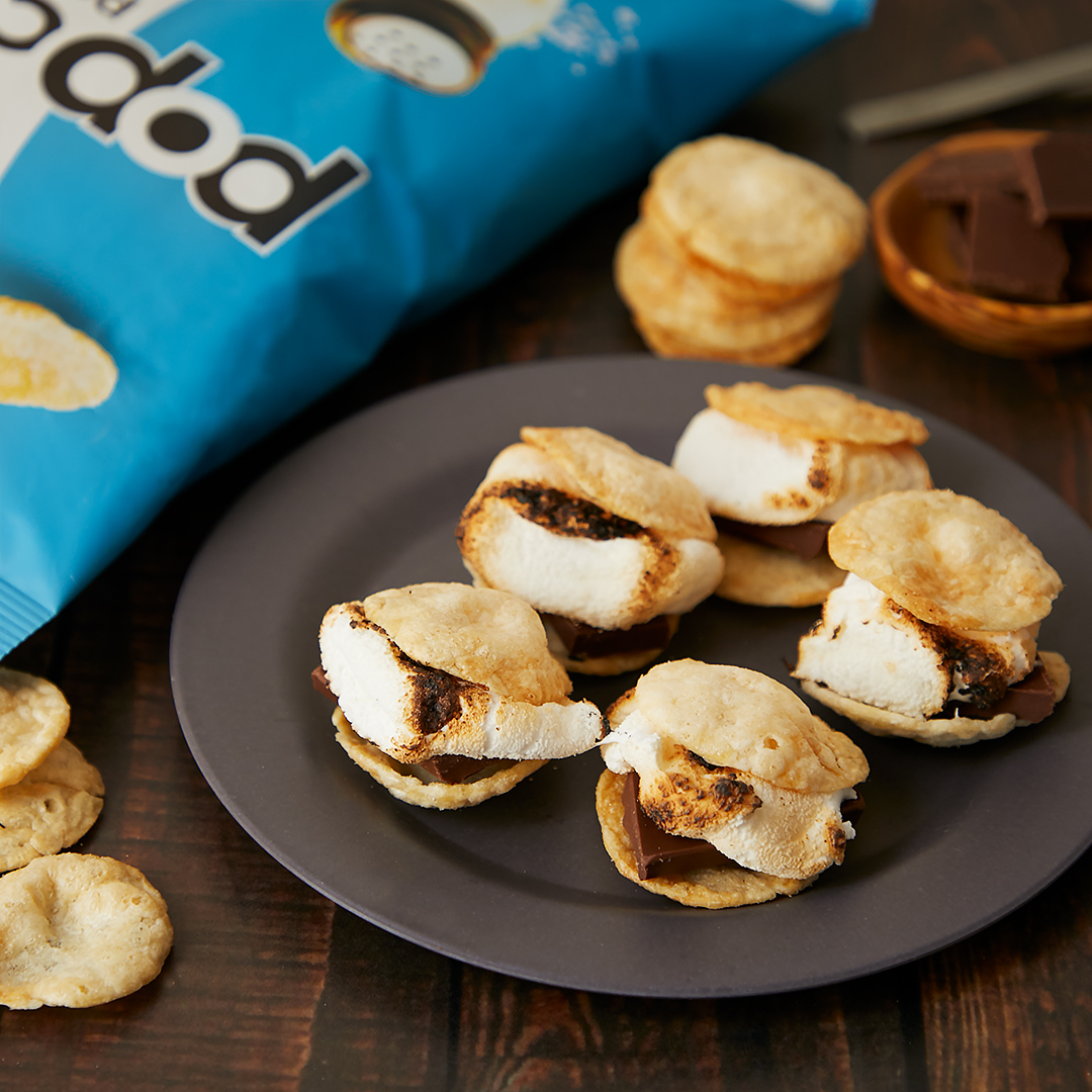 PSA: Somebody somewhere decided that today is #NationalSmoresDay. 🥔🧂🍫 https://t.co/XejiXjuNh7