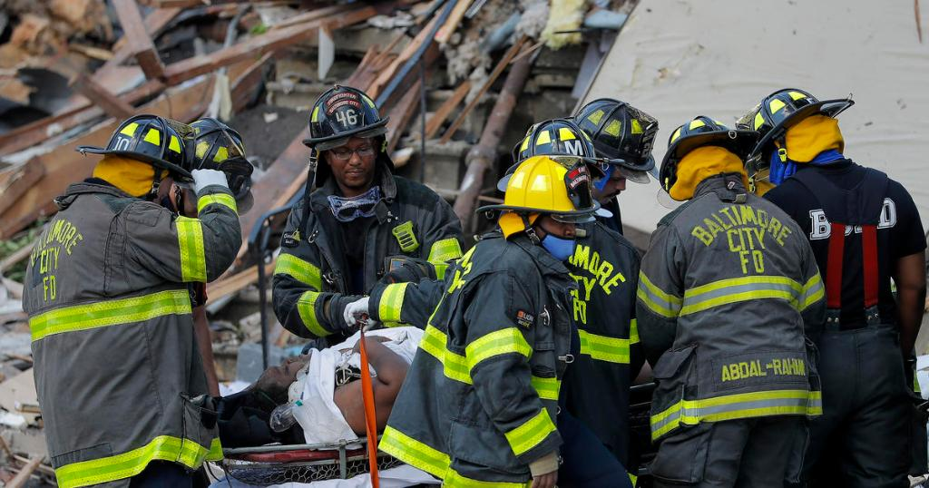 Gas explosion leaves 1 dead and 6 injured in Baltimore cbsn.ws/3iqQvqe