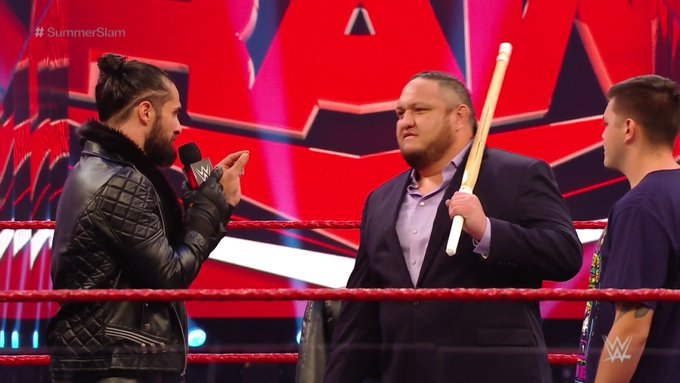 Seth Rollins destrói Dominick Mysterio no RAW