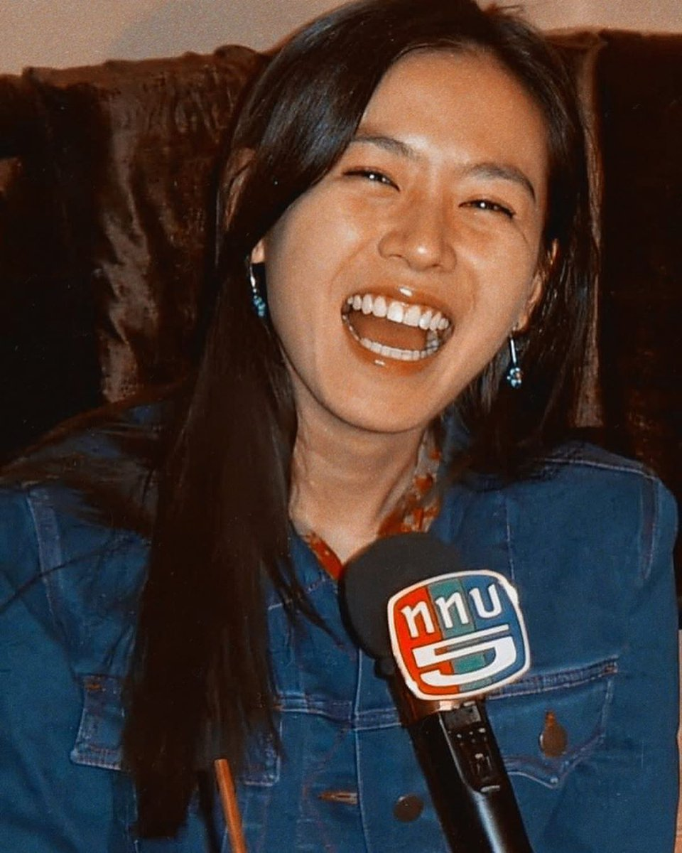 Her EYE SMILE is the best. ❤🌹 Only Son Ye Jin  #YeJinhand #SonYeJin #Eyesmile https://t.co/WoxtxmO8Hi