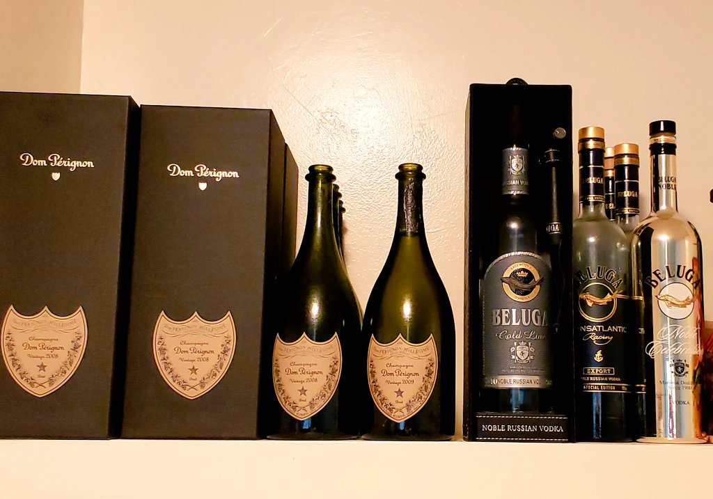 Come over to my place... 2008 and 2009 vintages polished. More at my girlies place. Plus the best vodka. The Beluga in the box? Cash money. Hasn't even opened. Bought two years ago..  #beverages #DDTGpic.twitter.com/IZmohAybMq