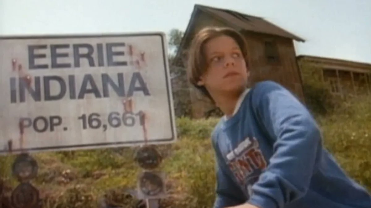 While I was watching Amazon Prime, I saw they had one of my favorite live horror shows: Eerie Indiana. I was scary, funny, and mysterious. It was like Gravity Falls. I wish Netflix or Hulu would reboot for a new generation. #1990's #foxkids #popculture pic.twitter.com/YSzVuXhoCi