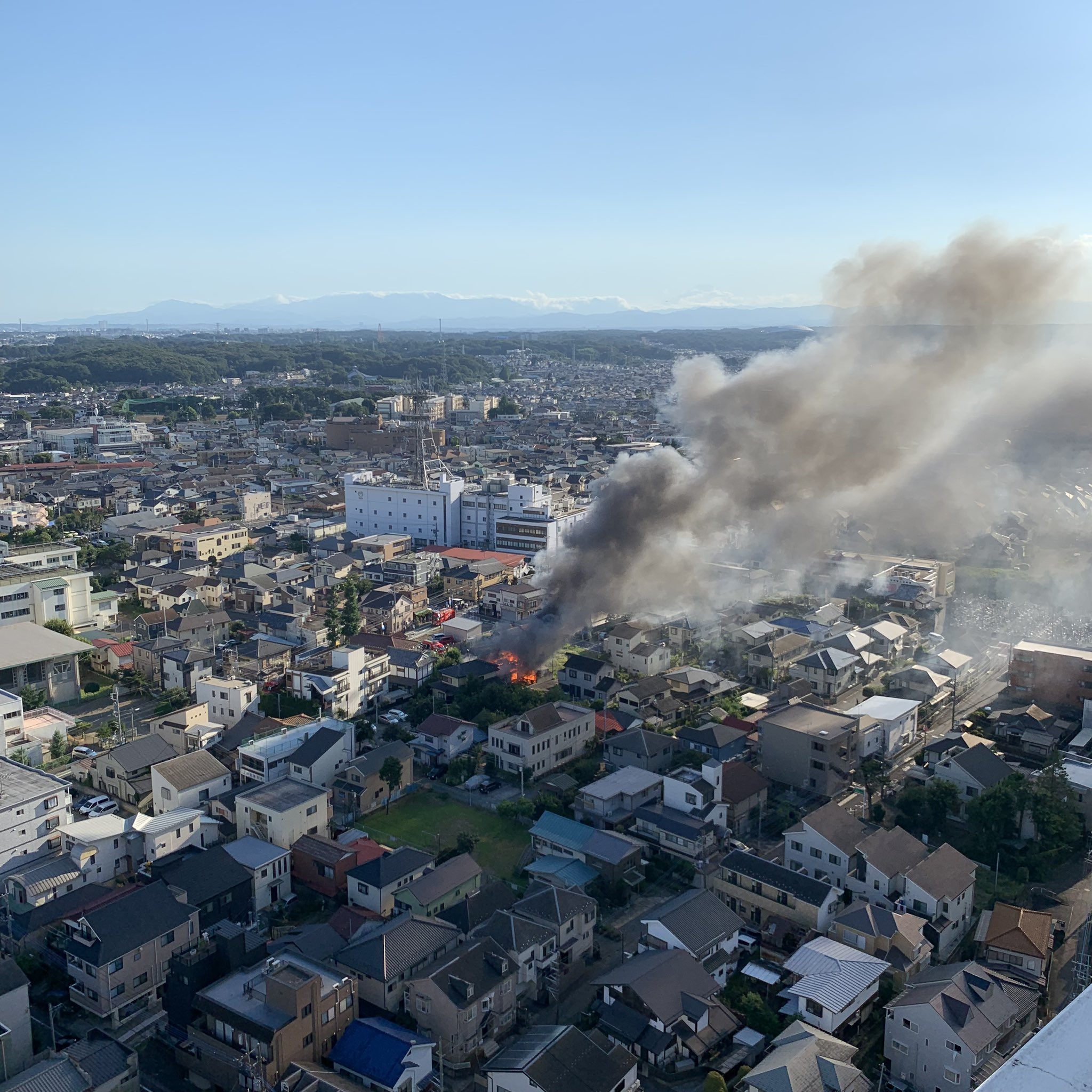 所沢市元町で火事が起きている画像