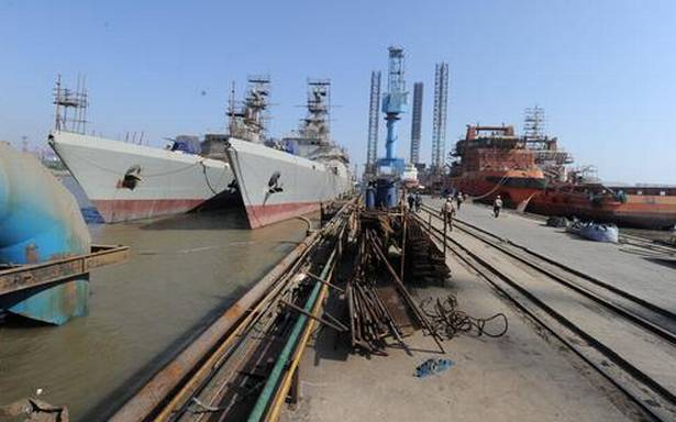 Post defence import curbs, #RNaval's #Pipavav shipyard could interest #Adanis, #Mahindras   @AdaniOnline  @MahindraRise  #India #Business #Defence #WarShips http://bit.ly/3fNcWnE Via http://thehindubusinessline.compic.twitter.com/sylyLULR56