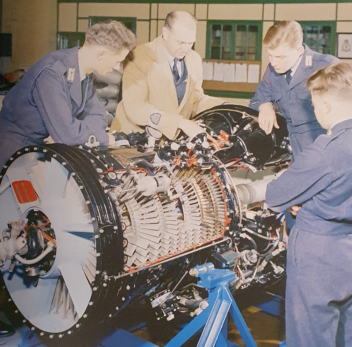 I love finding old photos of, or similar to, exhibits we've got at the museum. These technical cadets at Henlow around 1960 are being instructed on a cut-away Rolls-Royce Avon engine similar to the one we restored last year (image credit: RAF). #aviation #avgeek #coldwar #museumpic.twitter.com/GuCDQwcMq1