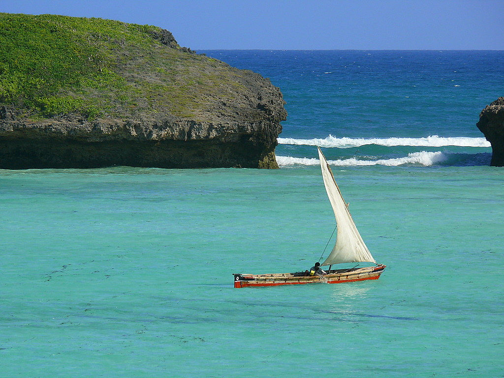Looking for an ideal beach destination ? Safarilink now has flights to MALINDI via Lamu from as low as Kshs. 6500/-. Simply Book online at https://t.co/u96TCSgHfG #flysafarilink #malindi #safarilink https://t.co/wz1JDYAXjS