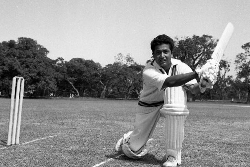 Pakistan's little master, Hanif Mohammad played 55 matches in a 17-year Test career and is best remembered for the longest Test innings ever, 337 runs in 970 minutes in Bridgetown against West Indies in 1958.  Remembering Hanif Mohammad on his third death anniversary. https://t.co/pmk5J3l5Ph