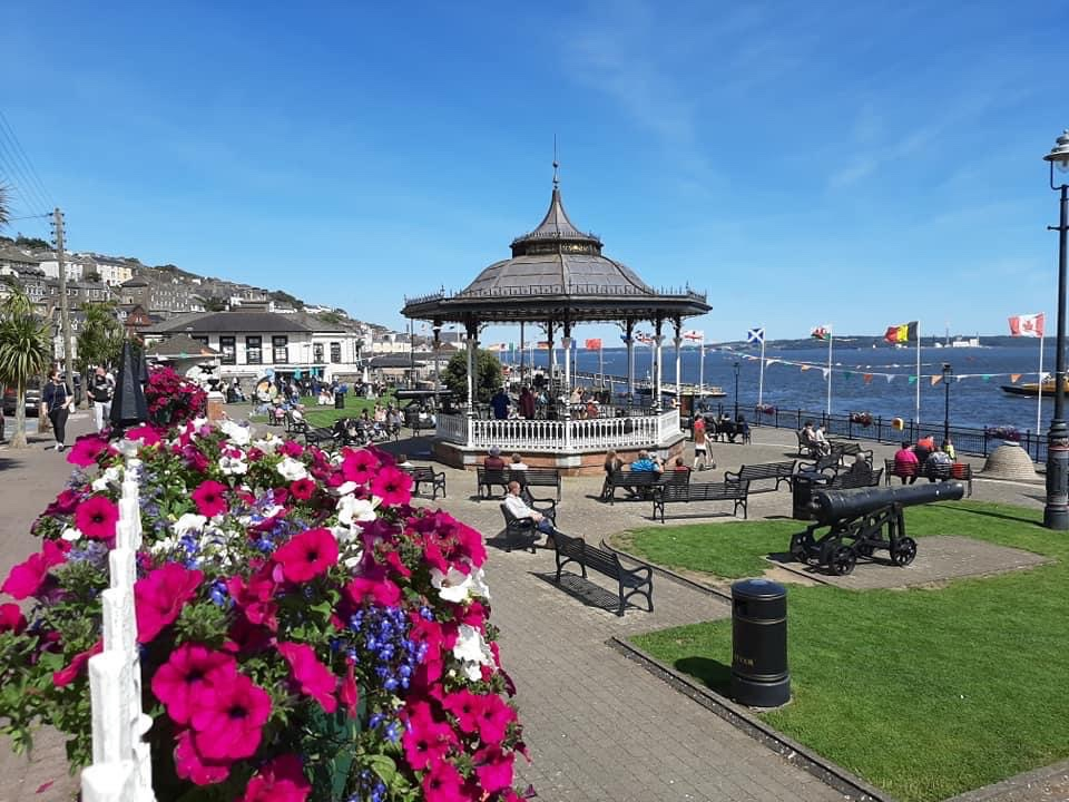 @sophierampage @martylyricfm Come visit #cobh named  East Corks Best Toursim Experience 2019 , book @SpikeIslandCork @TitanicCobh @CobhHeritageCen take a spin @CorkHarbourBH take a walking tour @titanictrail @CobhRebel or stroll to the Titanic Garden ,cathedral,enjoy goodfood shopping Open spaces https://t.co/NjKMKXWXz5