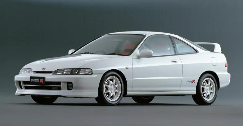1、インテグラ TypeR 2、フォード GT40 3、ポルシェ 928pic.twitter.com/TPKDuHVUaE