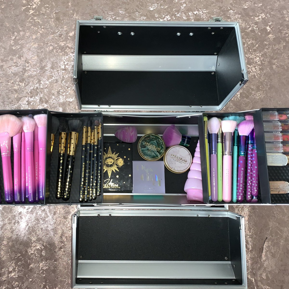 I bought a bigger cosmetic case as mine broke. I ordered a new big one from @amazon and It fits all my @Spectrumbrushes in... and there's room for more...#BeautyTies  #SpectrumAddict  #CosmeticCase #Amazon  #BeautyBloggerspic.twitter.com/tiMWhAn5Ix