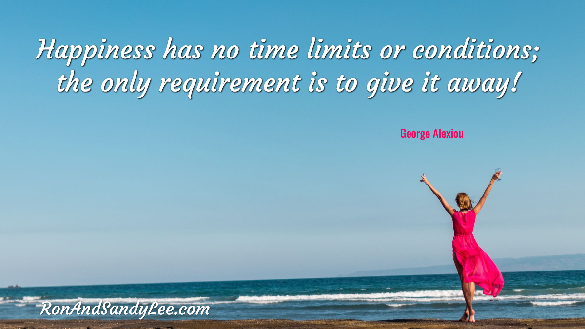 """""""Happiness has no time limits or conditions; the only requirement is to give it away!"""" - George Alexiou Should be easy enough!  #watchmeorjoinme #socialmediamarketingtips #entrepreneurgoals pic.twitter.com/vS9rJHXM7B"""