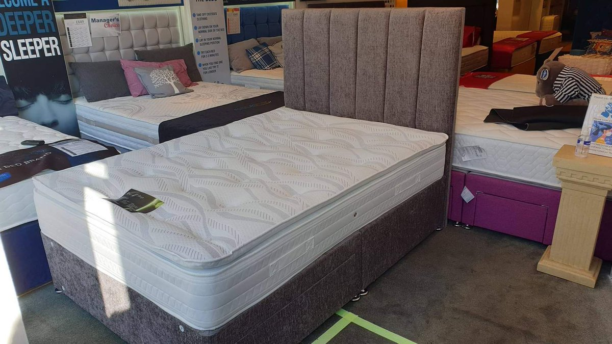 New Bed alert! We have a new bed on display at our Lytham shop with an introductory price!  #lytham #shoplocal #familybusiness pic.twitter.com/L2jVB59g3O