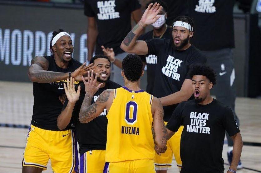 #NBA Kuzma salvó a Lakers de cuarta derrota consecutiva https://t.co/Dcn2aETtBv https://t.co/O1xjk58pro