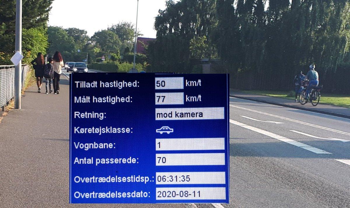 Ugen er kommet hvor vi har landsdækkende indsats ved skolestart.Trods det kørte 44 bilister for stærkt forbi Østerbyskolen på Fuglesangsalle i Vejen.5 fik klip i kørekortetet, deraf brugte 2 skolevejen som landevej med 77 km/t. Sænk farten der er skolebørn på vej #atkdk #politidk https://t.co/eJEX3cuGsf