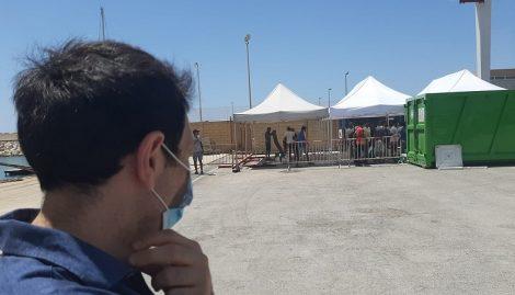Esplosione di contagi a Pozzallo, positivi 64 migranti, Razza attacca il Governo nazionale - https://t.co/TeViCGYek5 #blogsicilianotizie