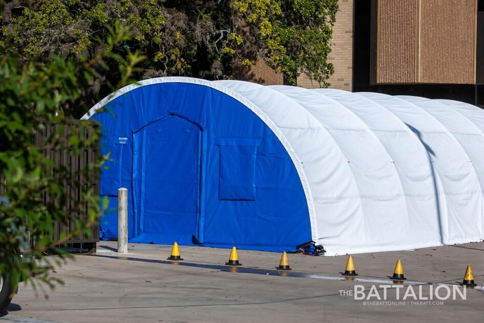 The Battalion, a student newspaper for Texas A&M University, features a #BLUMED #MedicalShelter for #COVID19 testing. Read more: https://t.co/mVQ9EVakQ6 #Coronavirus #COVID #COVIDTesting #NegativePressureIsolation #MobileHospital #MobileFieldHospital #EmergencyManagement https://t.co/6mmu8YZ7iq
