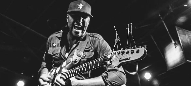 "Tom Morello compartilha ""You Belong To Me"", música nunca lançada de seu projeto Nightwatchman - https://t.co/KEpKcWqyM6 https://t.co/kzqujBh2NL"