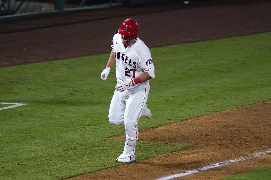 #MLB Mike Trout conectó dos cuadrangulares en triunfo de Angelinos de Los Ángeles https://t.co/PuiQ0aOmCK https://t.co/2811TXC6Xd