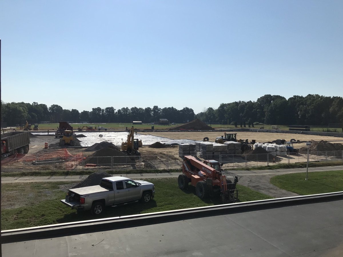 Exciting day in the progress of the turf field. Underlay material being rolled out and topped with stone.pic.twitter.com/E2jvytm6V4