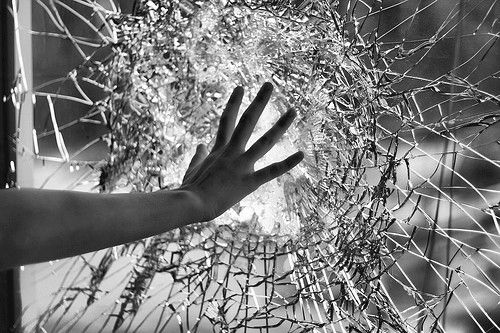 Continuing our weird niche top 5 categories, this week we're talking about the best smashed windows in films.  What's your favourite?? Let us know in the comments!  http://link.chtbl.com/AllEpisodes  #BadDads #FilmReview #Podcast #Cinema #Netflix #AmazonPrime #window #easierthanyouthinkpic.twitter.com/6a5WlS82iD