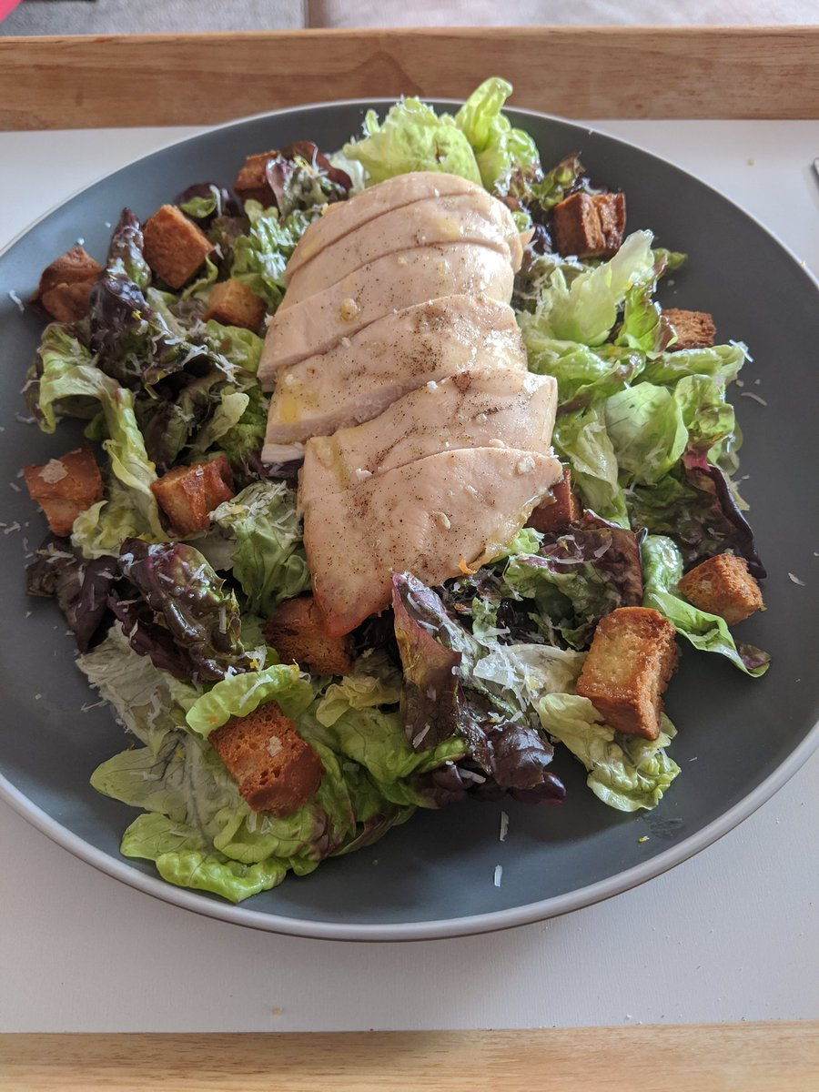 A lovely salad for lunch made by the hubby @SamLatham59 #localproduce #ShopLocal #hubbythatcookspic.twitter.com/2cG5ikyZgk